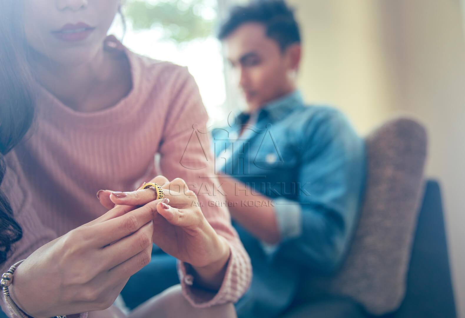 Kocak Hukuk | Boşanma Sebepleri Nelerdir? Boşanma Davaları Kaça Ayrılır? Bunlar Nelerdir?