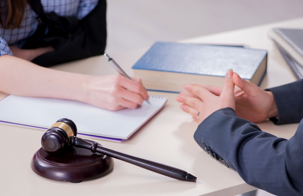 Koçak Hukuk   İhbar Tazminatı Nedir ?